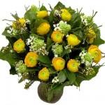 Geel wit voorjaarsboeket
